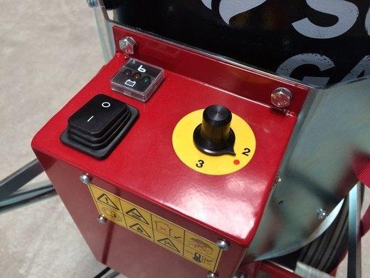 Master 510 R - InfraWeeder, ovládací panel